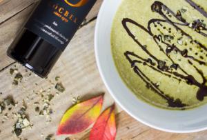 Recept - Juha iz zelenih bučk in zelene - Oljarna Kocbek